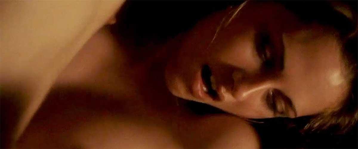 Kristen Stewart se quita la ropa!!!